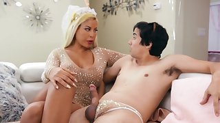 Cougar mom is keen to stick this young dong up her greedy holes