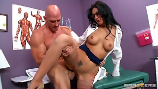 Provocative doctor Amber Cox gets fucked in her wet fuck hole