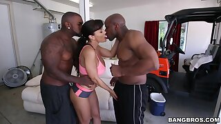 MILF gets her dose of BBC in a threesome hardcore