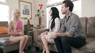 Pretty hot blondie Elsa Jean gets herald with Joanna Angel and her husband